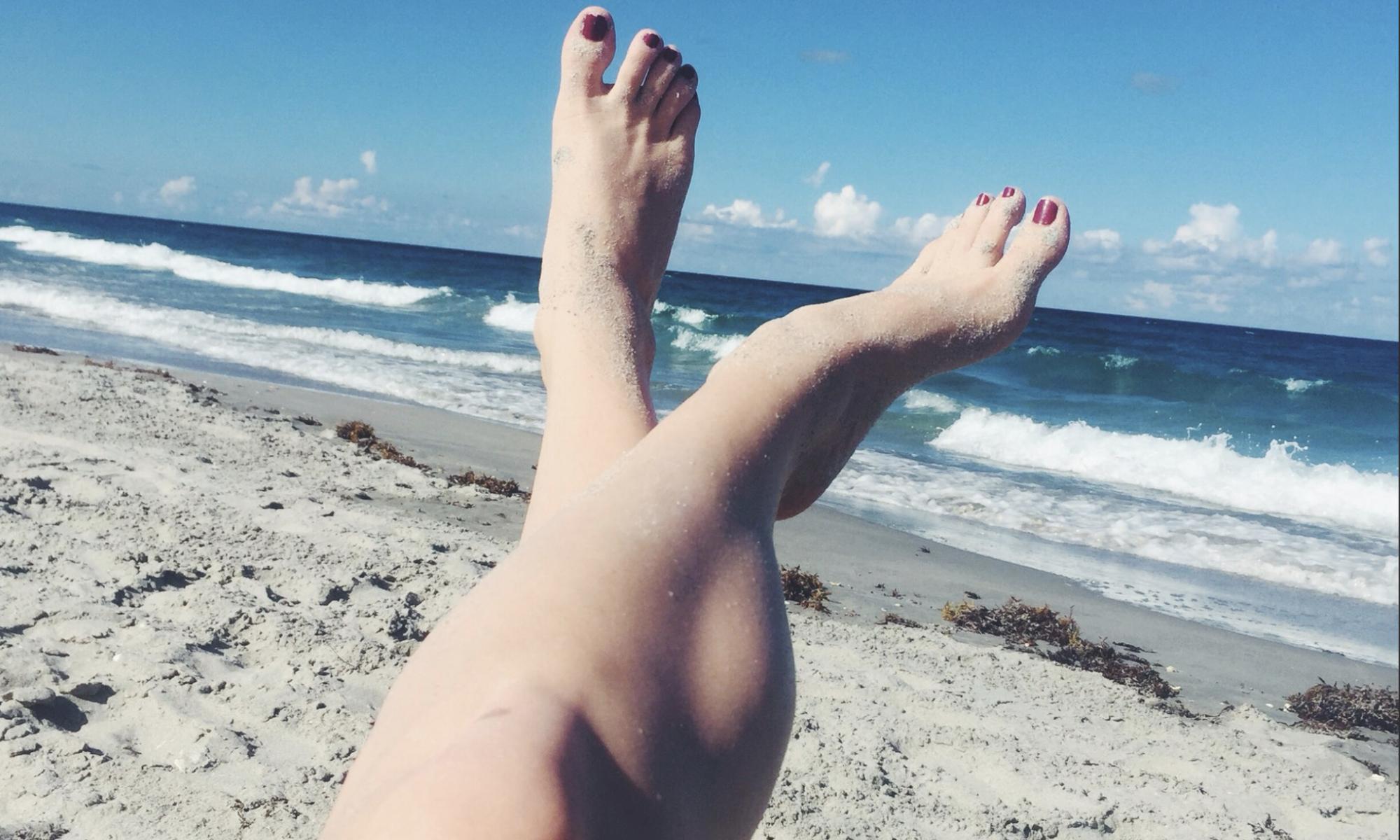 nyc feet on beach mistress blunt