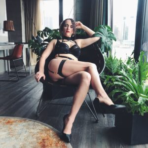 Pro Domme Mistress Blunt in NYC